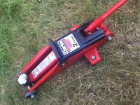 2 Tonne Hydraulic Trolley Jack- Clarke Strong Arm