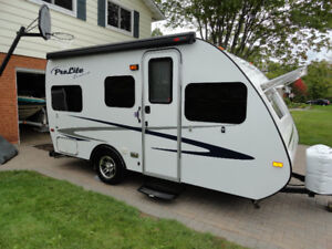 PRO-LITE EVASION (17ft) ROULETTE TRAILER (ONLY 1900 Lbs)