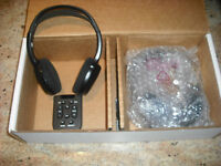 Lincoln OEM headphones +remote DVD rear seat video entertainment