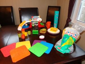 Tupperware, Kids Toys and Cups, Many Pieces