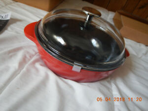 STAUB  9.4 inch Enamelled Cast Iron Saute Pan with Pyrex Glass L