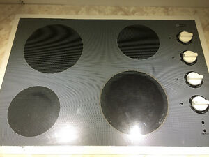 Maytag Cooktop- all elements work great!