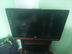 32 in Sony Bravia LCD TV