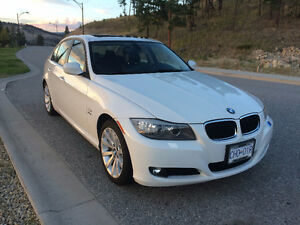2011 BMW 3-Series 328i Executive Package Sedan