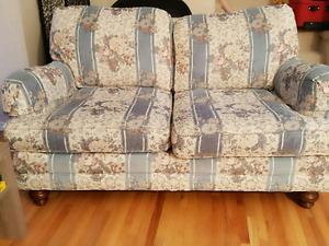 Love seat and 3seat coutch