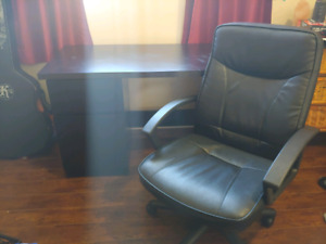 Large desk and leather chair