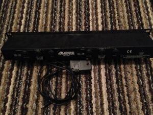 Alesis 3630 Audio Compressor