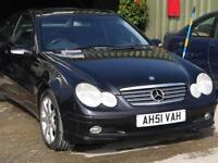 Mercedes-Benz C220 2.1TD auto CDI PANORAMIC ROOF. ONLY 68000 MILES.