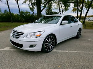2010 Genesis sedan For sale! CLEAN, ONLY 48KM