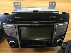 Stereo & Speakers from a 2013 Hyundai Tucson