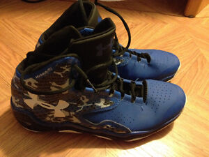 Underarmour Basketball Shoes Size 11.5