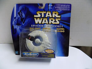 Star Wars Yoda and  R2D2 new in package and more. Kitchener / Waterloo Kitchener Area image 10