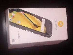 cell phone Motorola Moto E Kitchener / Waterloo Kitchener Area image 3