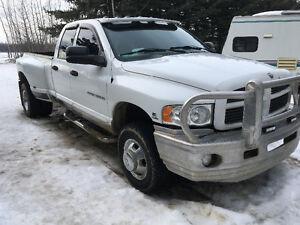 2004 Dodge Power Ram 3500 Laramie Pickup Truck