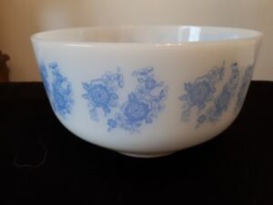 vintage federal glass white and blue flowers mixing bowl