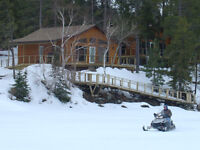 Deluxe Winter cabin rental on Lake of the Woods - on OFSC trail