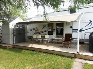 fifth wheel 32 pieds holiday rambler
