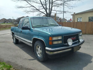 1997 gmc pickup only 165 km body is mint (.  SORRY SOLD )