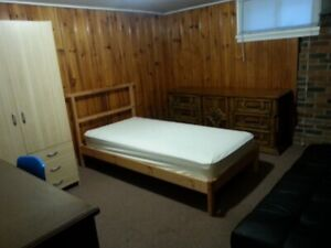 Unlimited Wi-Fi!  Room for rent in Lindsay!