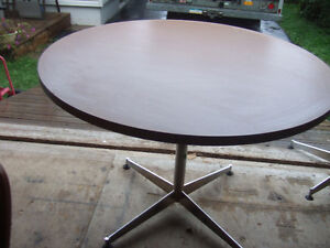 42'' ROUND TABLE ONLY $20