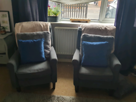 2x grey recliner chairs