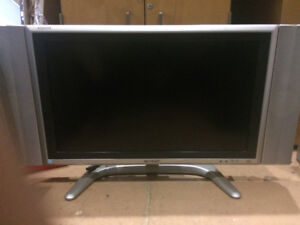 Selling 28 inch TV for $80