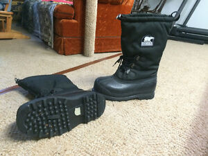 Sorel Glacier Winter Boots - Like New!