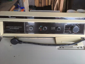 Whirlpool Dryer - approximately 20 years old (WORKS) Cambridge Kitchener Area image 2