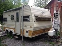 1979 Holiday Camper Trailer