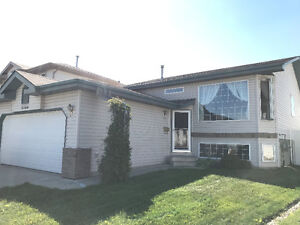 5 bed, 3 bath family house for rent on quiet cul-de-sac