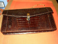 SAC À MAIN EN AUTHENTIQUE CUIR D'ALLIGATOR 75,00$