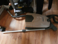 one vacuum cleaner make Kenmore works great machine. asking $30