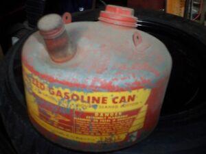 Antique 1 gallon gas can Belleville Belleville Area image 1