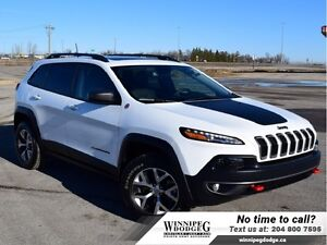 2016 Jeep Cherokee Trailhawk V6 4x4 w/Sunroof  Leather  V6 4x4 w