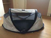 Travel cot sun tent