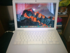 White Macbook 2009 / 2ghz/4gb/120gb/OS El Capitan