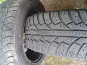 """Pair of 195/65/15""""Tires on rims.LOTS of tread,Winter,Not studded"""
