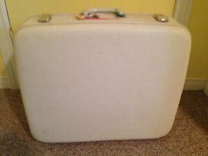 White Antique Suitcase Stratford Kitchener Area image 1