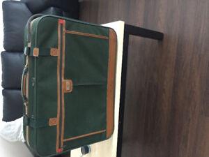OLD VINTAGE jade international suitecase luggage
