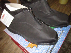 New Ladies Winter Boots. Black with fur trim. . Only $15.
