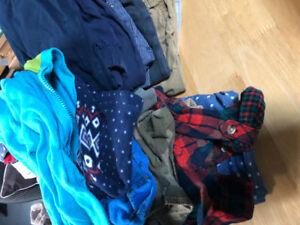 Vêtements bébé garçon.