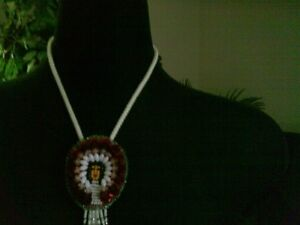 VINTAGE ADORABLE NATIVE SEED BEAD HAND MADE BOLO TIE Kitchener / Waterloo Kitchener Area image 2