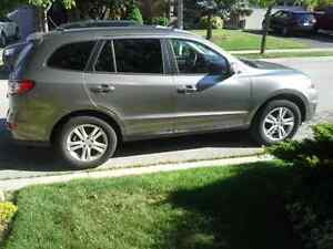 2011 Hyundai Santa Fe Limited with Navi