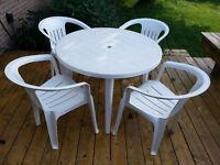 Table pour patio et jardin - Round patio/garden table