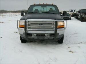 99-07 F250 & F350 V10 regular cab body parts only 153,000 kms