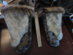 SEAL SKIN MITTEN'S,AND WOLF FUR Peterborough Peterborough Area image 2