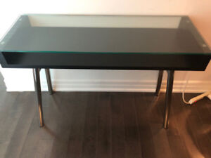Structube Modern Console Table for sale, 10/10 condition