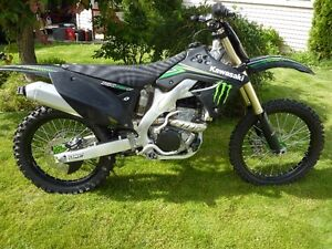 kawasaki kxf 250 monster edition like new only 30 hrs