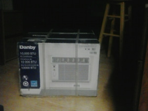 Danby 10,000 btu Energy Star Air Conditioner with Remote