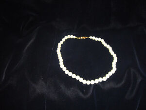 """Knotted """"Pearl"""" Necklace"""